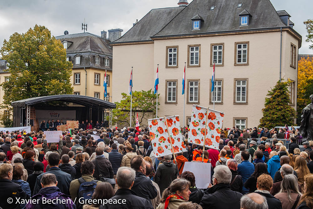 2015-10-10_Greenpeace_TTIP-Manifestation_Luxembourg-Ville_-®XavierBechen-Watermarked-2339 - Copy