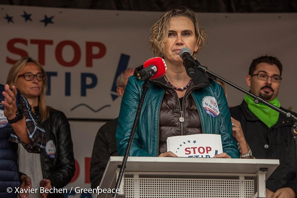 2015-10-10_Greenpeace_TTIP-Manifestation_Luxembourg-Ville_-®XavierBechen-Watermarked-2369 - Copy